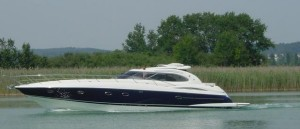 Luxury Yacht Cruising on The Beaulieu River