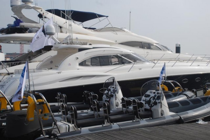 Luxury Sunseeker Yacht Hire